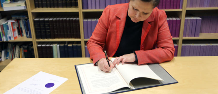 Iceland signs Greek EEA MoU