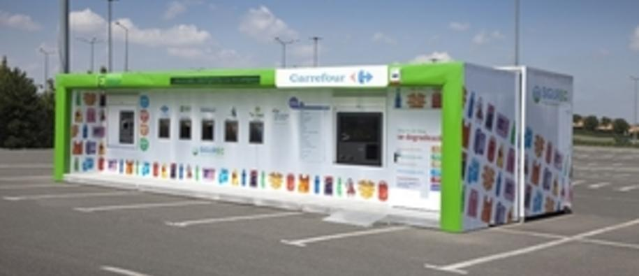 This is one of the waste collection points established outside a supermarket in Romania. Photo: Total Waste Management